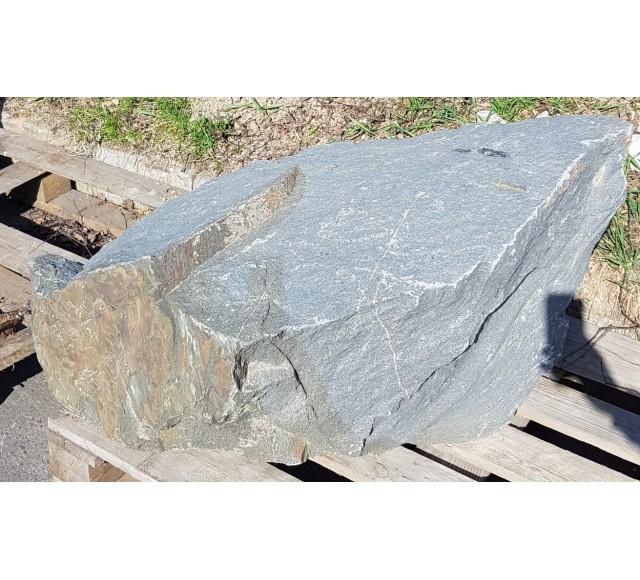 Lomový kámen solitér 2